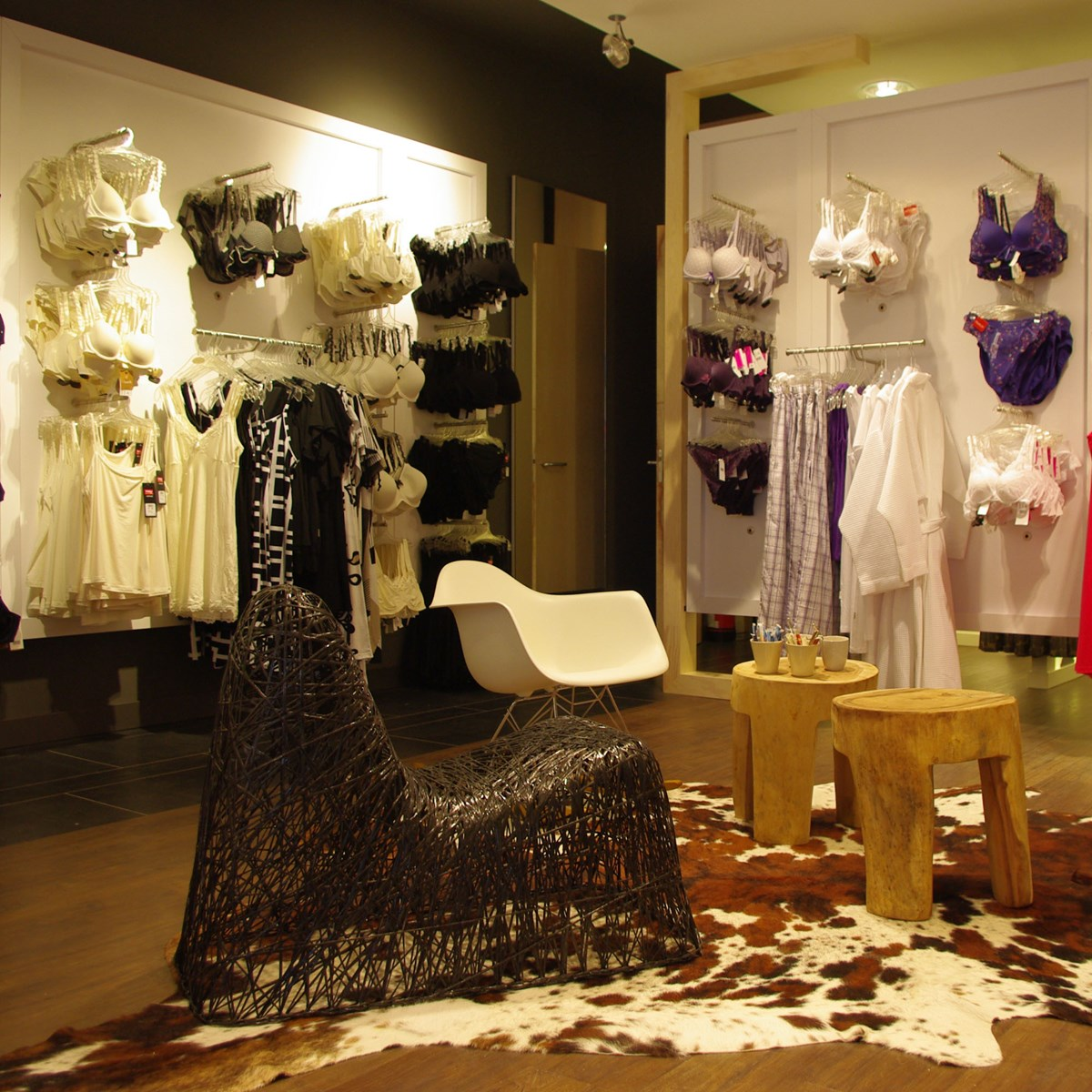 Lingerie by nathaly smaakvol interieur in castricum for Interieur longere